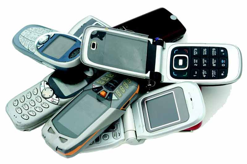 Pile Of Cell Phones : Recycle batteries cell phones and electronics the